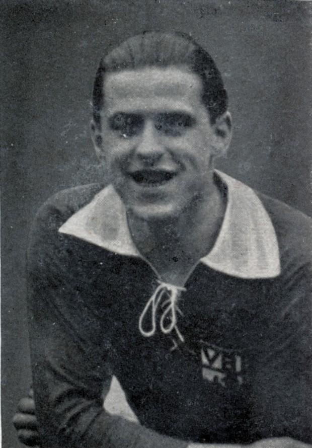 Anstatt die Meisterschaft zu feiern, finden die Club-Nachrichten Nr. 5 & 6, 1932, die wärmsten Worte für Stürmer-Ass Hanne Schröder